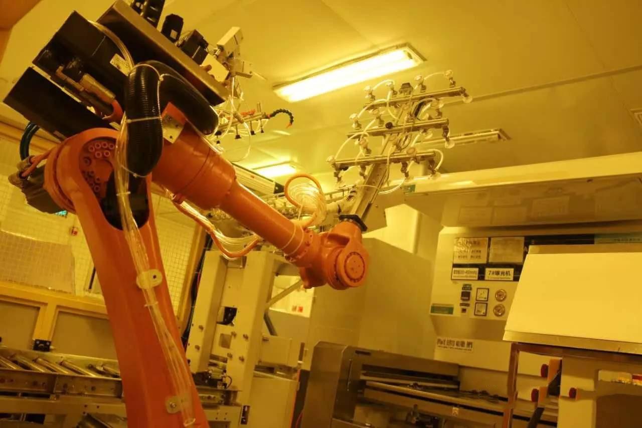 Exposure Robotic Arm