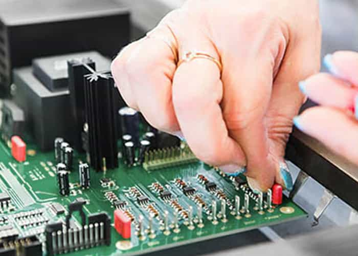 Through-hole PCB Assembly Technology